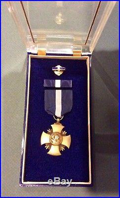 Korean War era Navy Cross Set