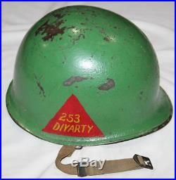ORIGINAL KOREAN WAR 253 DIVARTY PAINTED M1 HELMET With MATCHING CAPAC-WESTY LINER