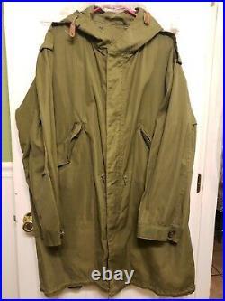 Vtg Korean War US MILITARY M-1951 Fishtail HOODED PARKA Shell Coat Jacket Small