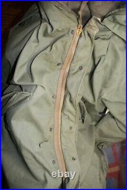 Vtg. M-1951 Korean War Military Fishtail Parka Shell, Liner, Hood Size Med