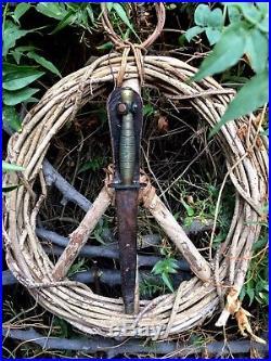 WWII BEADED & RIBBED Fairbairn Sykes Knife KOREAN WAR VET NAMED SCABBARD ARROW